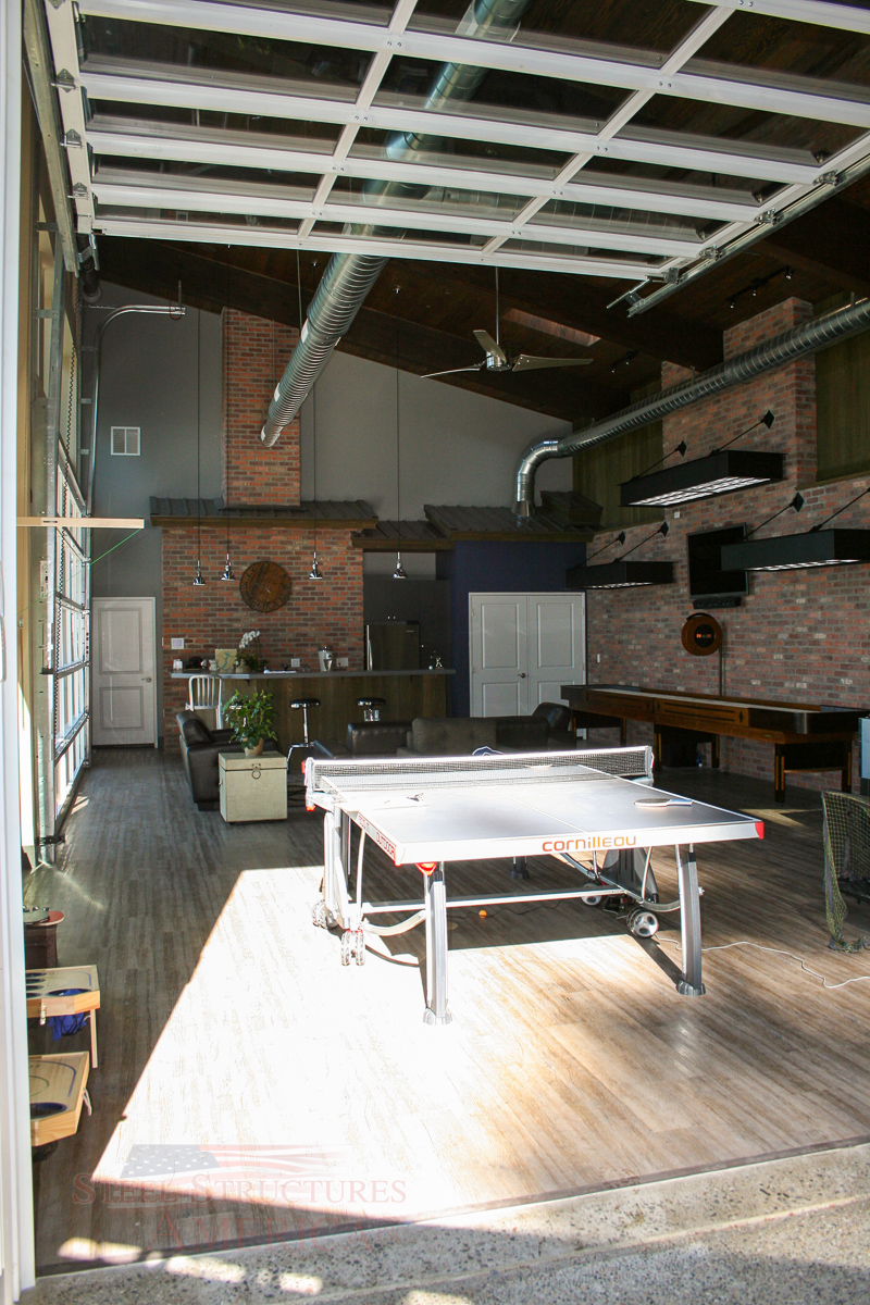 the-ultimate-entertainment-and-living-quarters-04