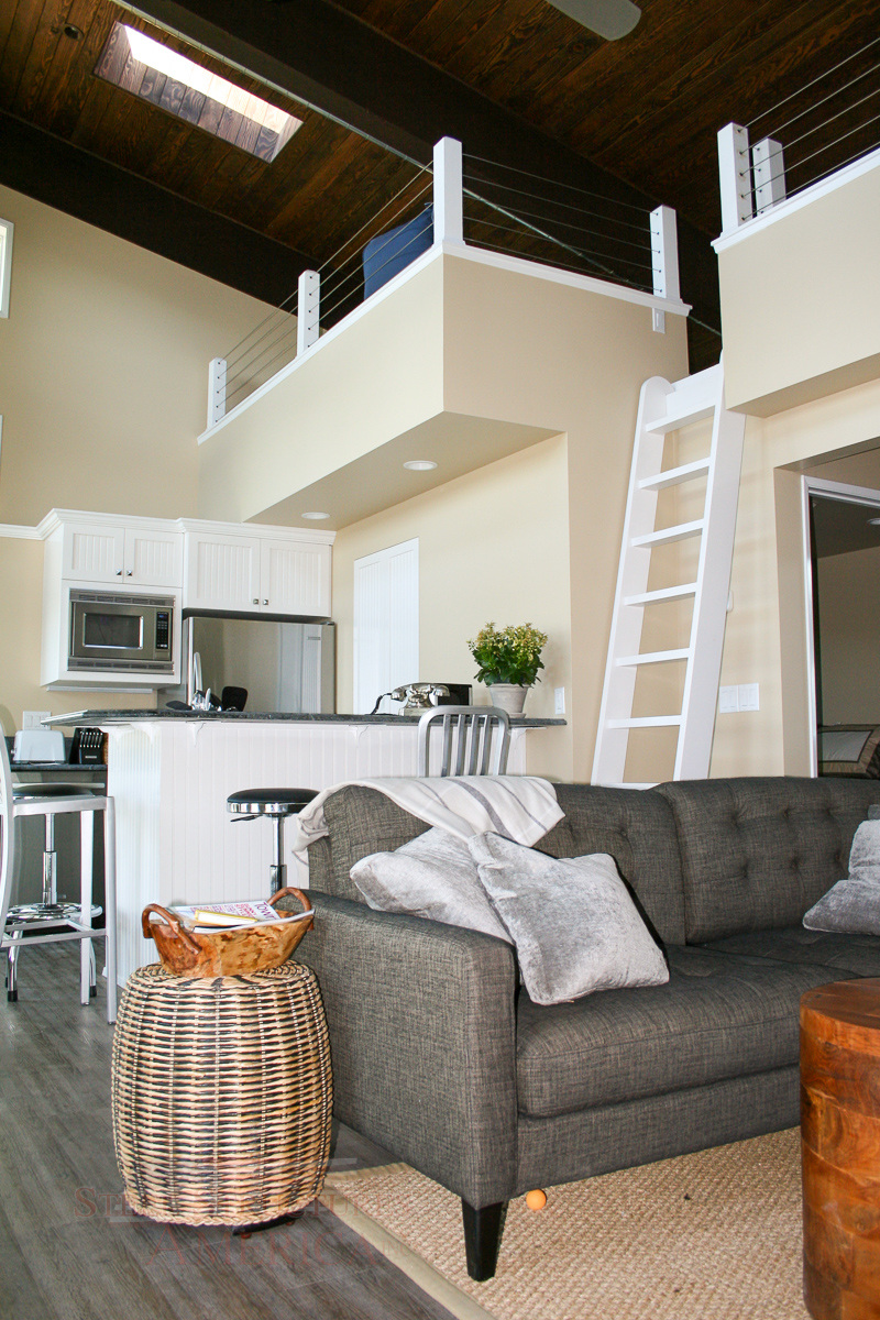 the-ultimate-entertainment-and-living-quarters-09