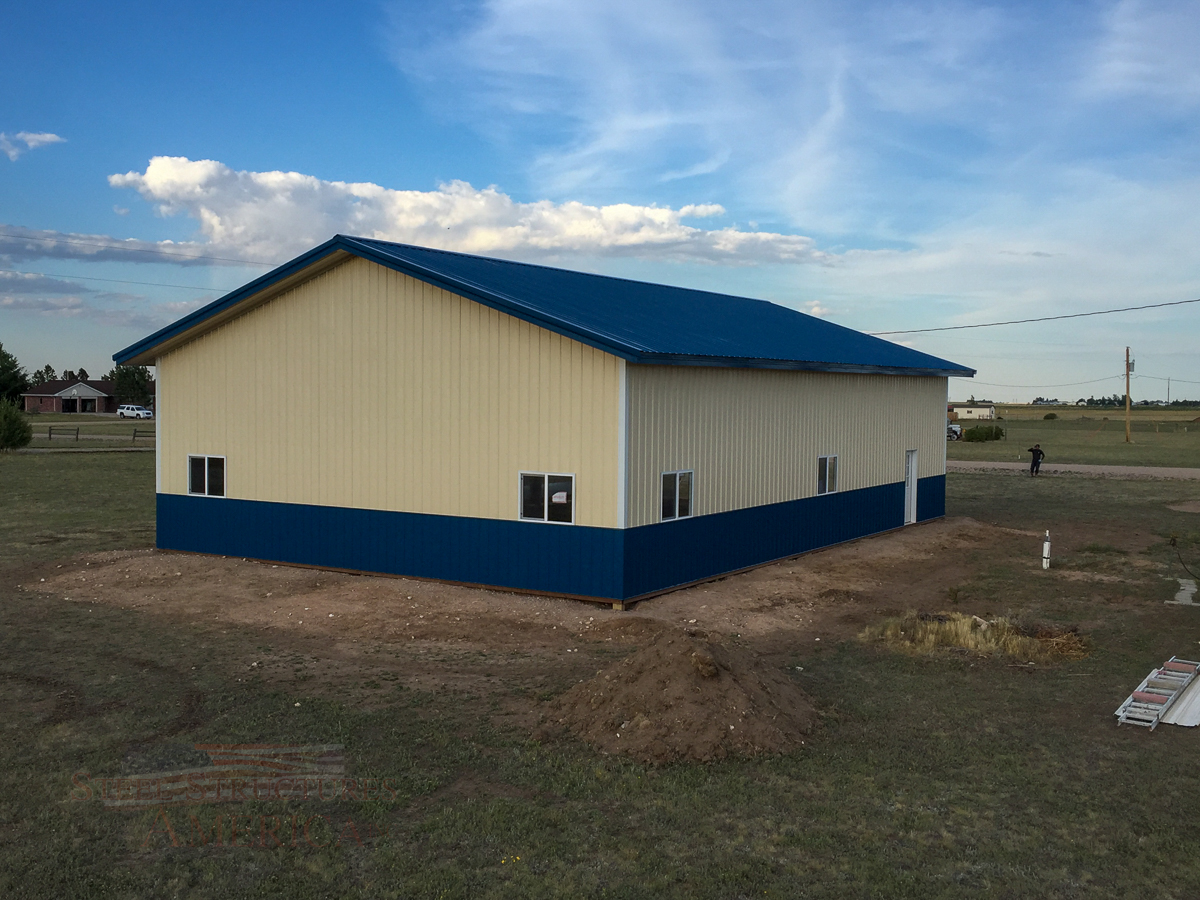 8878 blue and white pole building Cheyenne Wy-1