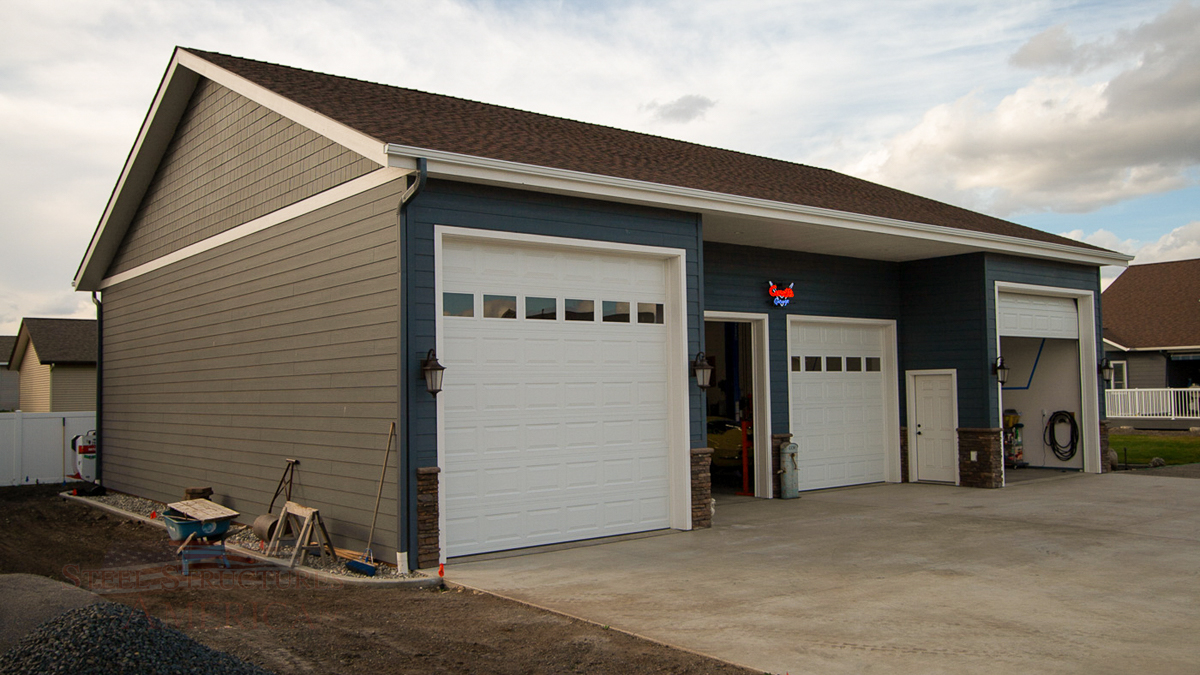 9490 – pole building finished with 2 post lift -5